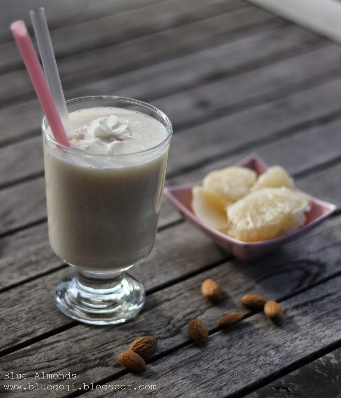 Waniliowy Koktajl z pomelo na mleku migdałowym